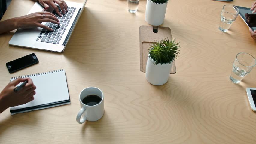 Entre meeting y meeting